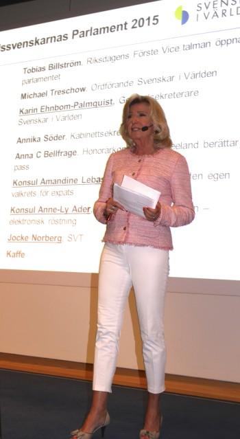 Helena Stålnert - moderator vid utlandssvenskarnas parlament 2015