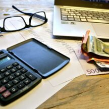 taxes_count_pay_lifestyle_quandary_currency_calculator_tax_return-734389